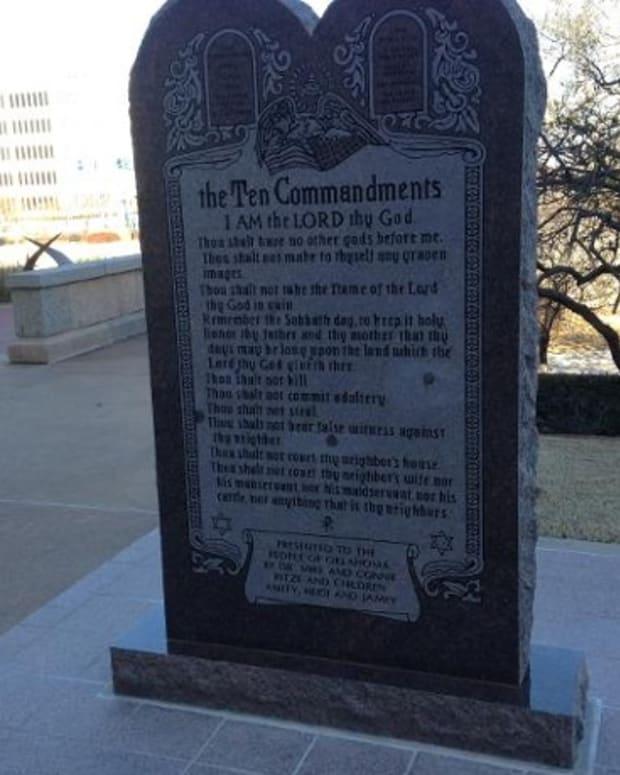 commandmentsstatute.jpg