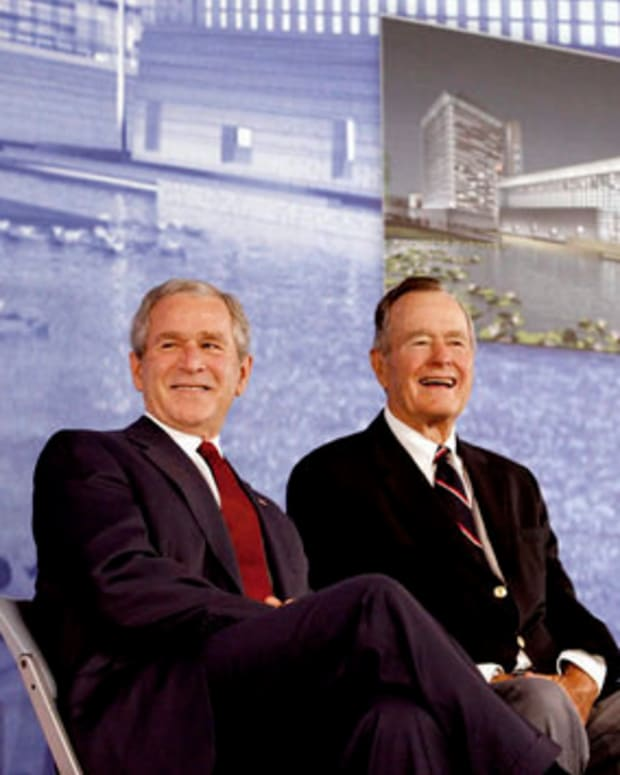 Former Bush Presidents Don't Plan To Endorse Trump Promo Image
