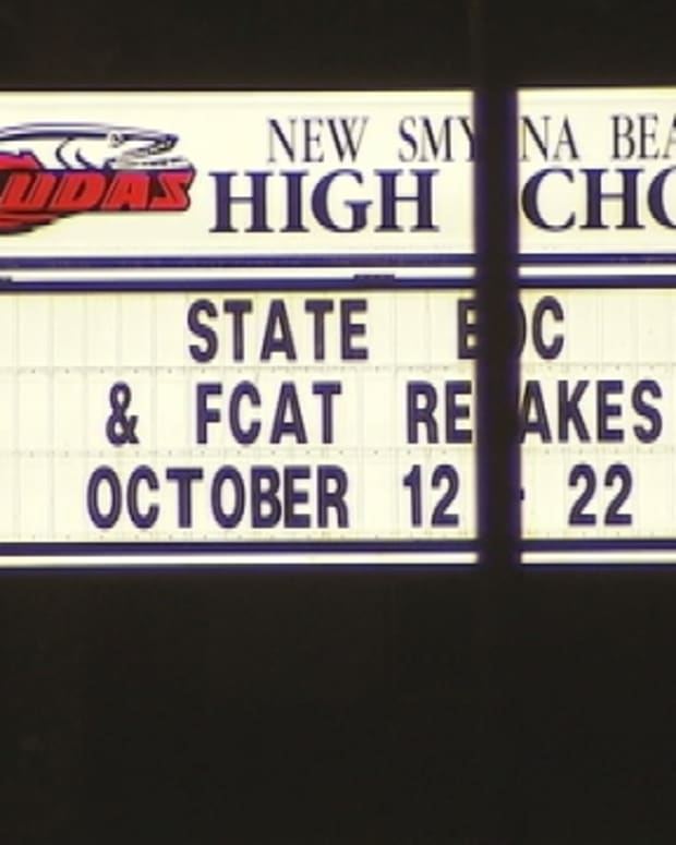 New Smyrna Beach High School sign
