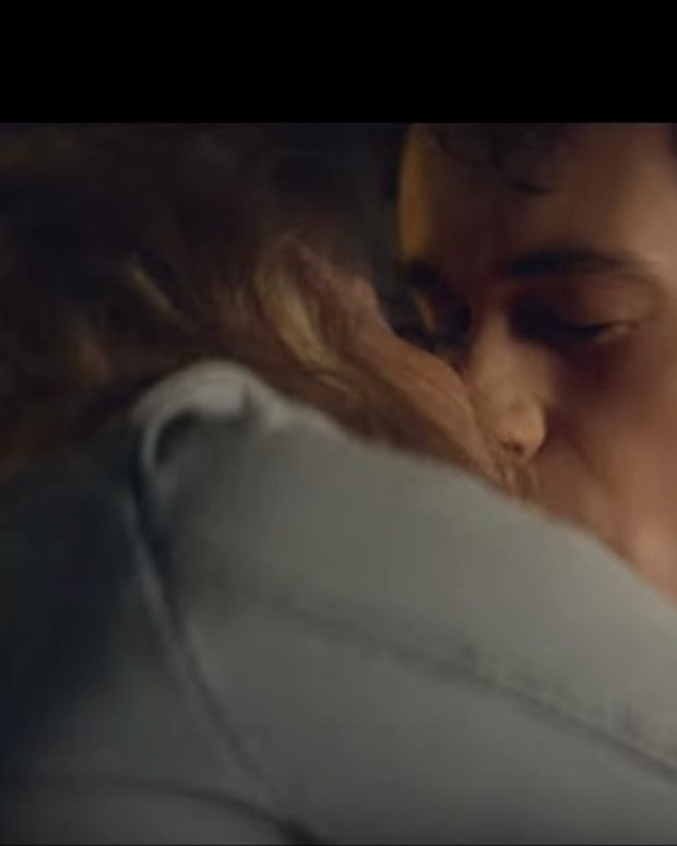 Screenshot, love story in gum commercial