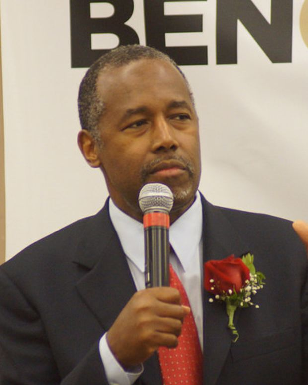 Ben Carson with mic