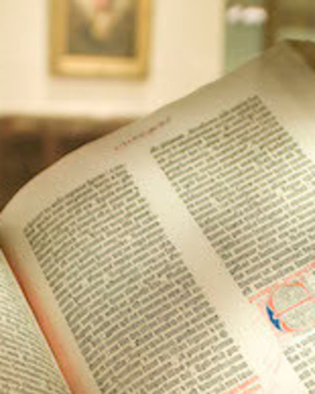 Tennessee Governor Rejects Bill To Make Bible State Book Promo Image
