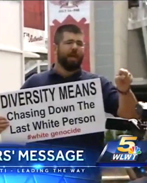 whitesupremistsign_featured.jpg