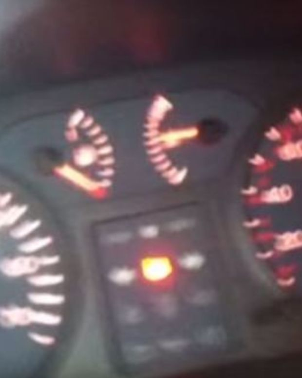 Screenshot, speedometer shows the car going at 90 mph