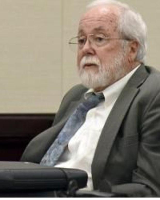 Defendant Commits Suicide In Court Following Verdict Announcement (Photos) Promo Image