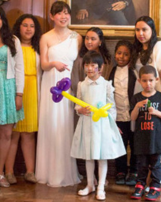Woman Turns Canceled Wedding Into Event For Needy Kids Promo Image
