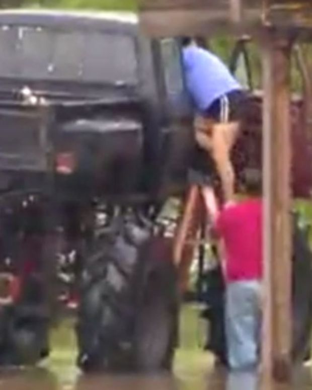 Monster Truck Rescues Flood Victims In Texas (Video) Promo Image