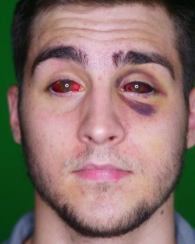 Student: Undercover Cops Beat The Wrong Man (Video) Promo Image