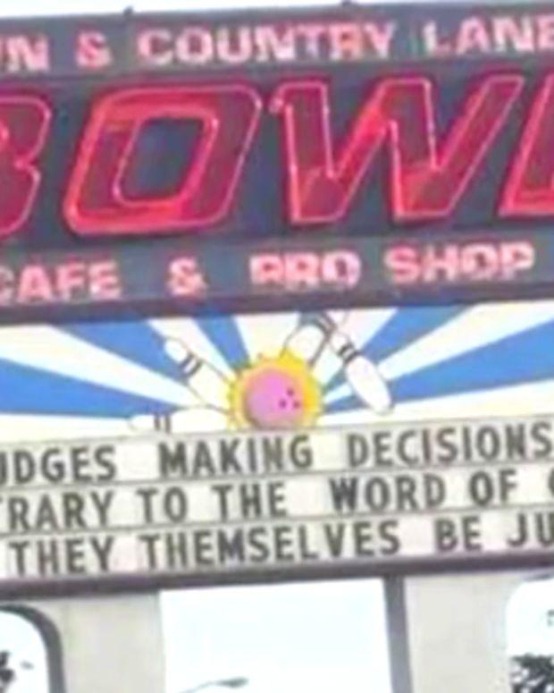 BowlingAlleySign.jpg
