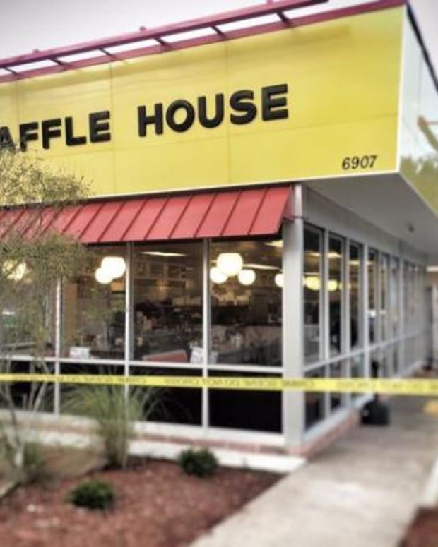 police in front of Charleston Waffle house