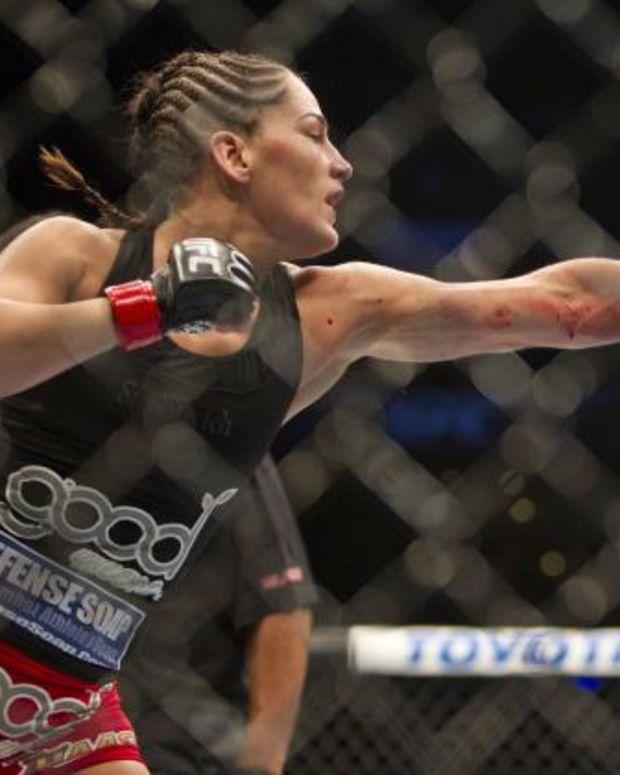 Leslie Smith Fights Jessica Eye.