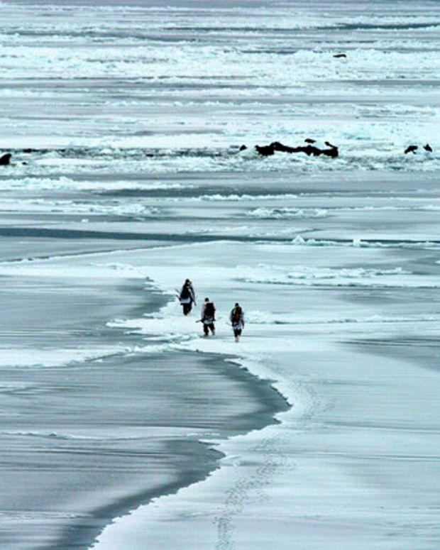 Obama Executive Order: No Drilling Off Alaskan Coast Promo Image