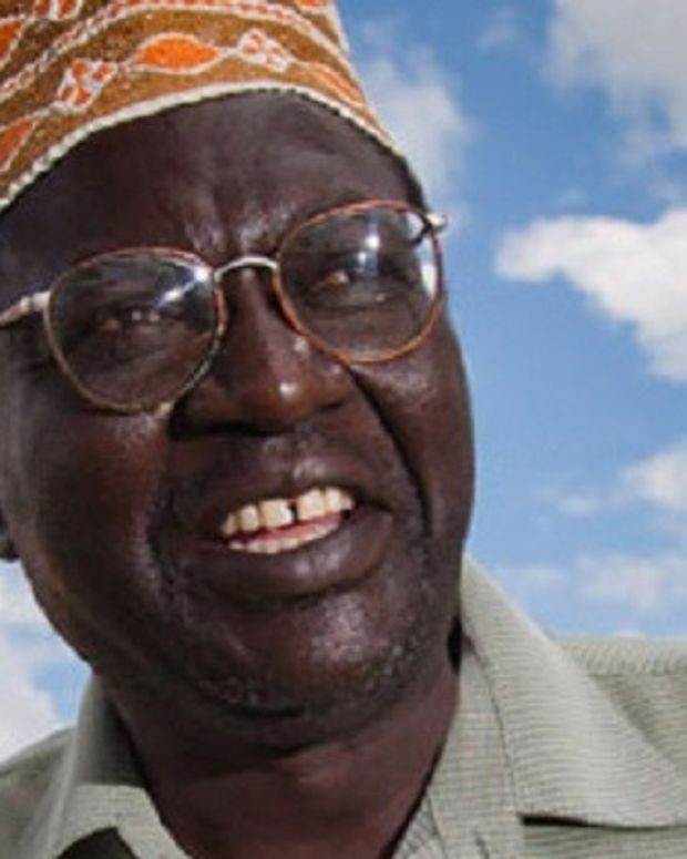 Obama's Half-Brother Says He's Voting For Trump Promo Image