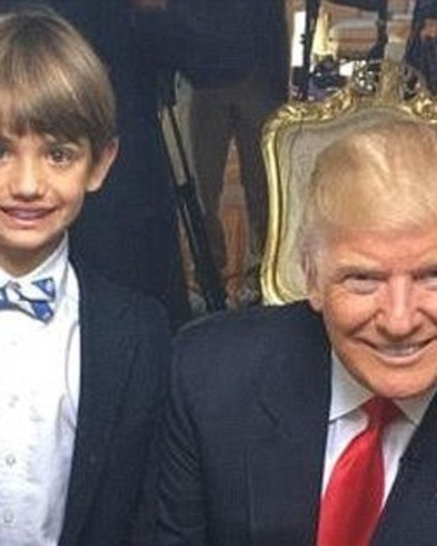 Secret Service Agents Take Selfies With Trump's Grandson Promo Image