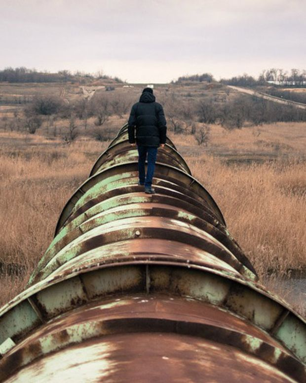 176,000 Gallons Of Oil Spills Miles From Dakota Protest Promo Image