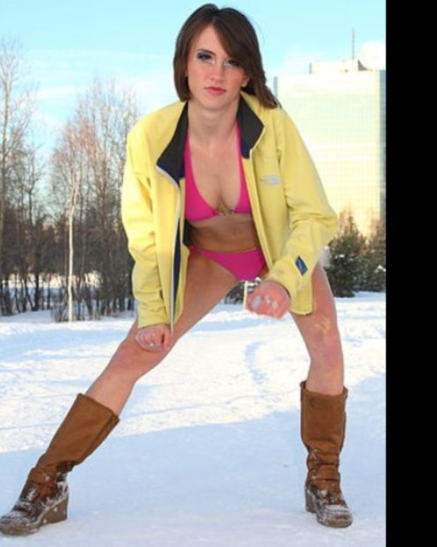 Hundreds Of Bikini-Clad Snowboarders Hit The Slopes (Video) Promo Image
