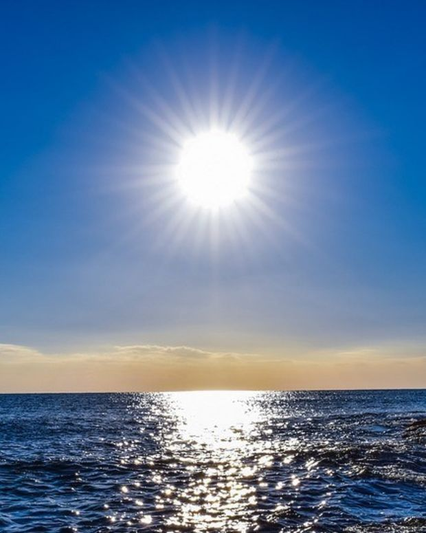 Man Posts Shocking Images Of Second Degree Sunburn (Photos) Promo Image