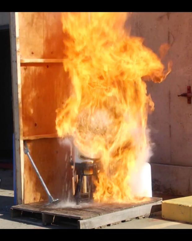 Demonstration Shows How Turkey Frying Can Cause A Fire (Video) Promo Image