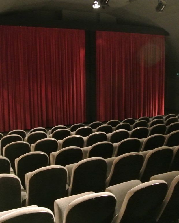 Theater Usher Discovers Cucumber After Film Screening (Photo) Promo Image
