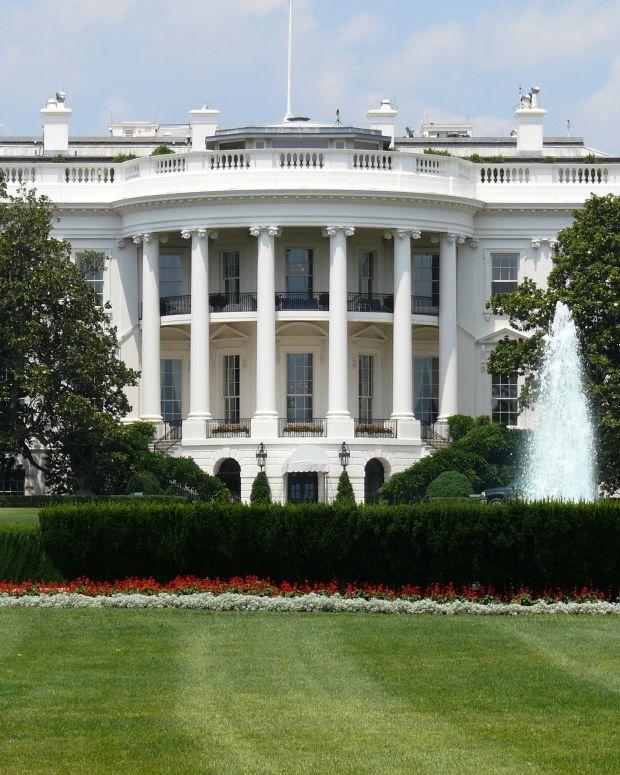 Forecast: Clinton To Win White House Easily Promo Image