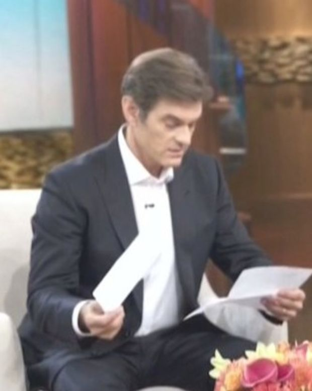 Trump Gives One-Page Health Summary To Dr. Oz Promo Image