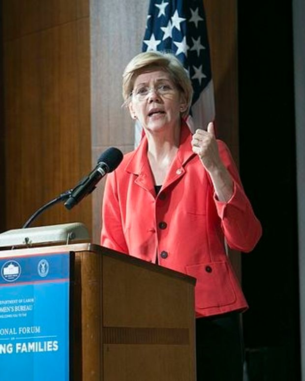 Warren: Middle, Working Classes Did Not Believe Clinton Promo Image