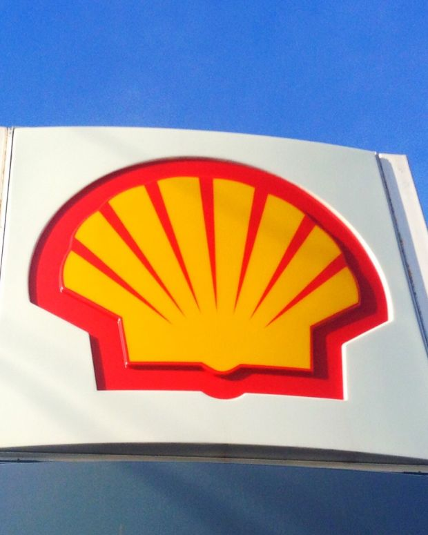Shell Geologist Says Company Hid Oil Spill Damages Promo Image