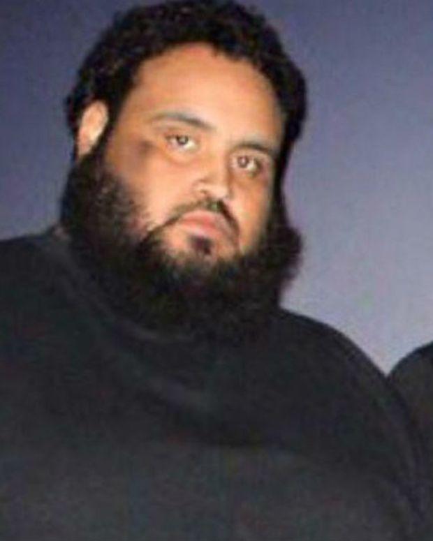 Man Loses 300 Pounds Walking To Wal-Mart (Photos) Promo Image