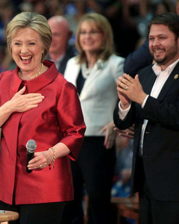 Quinnipiac Poll: Independent Voters Moving To Clinton Promo Image