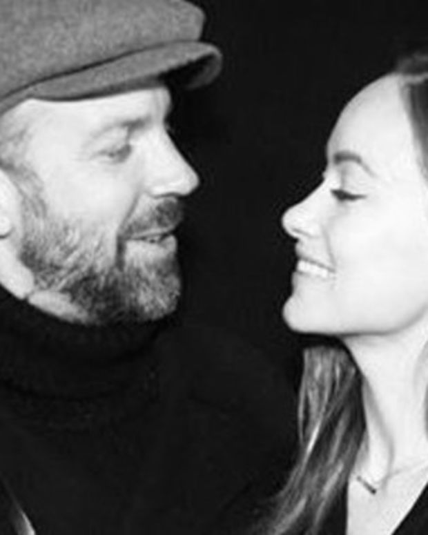 Can You See What's Wrong With This Picture Of Olivia Wilde? Look Closer (Photo) Promo Image