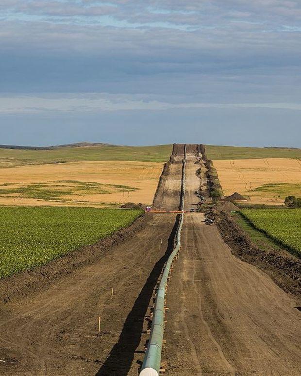 Judge Rules Against Dakota Access Pipeline Permits Promo Image