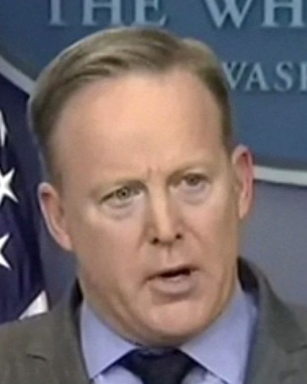 White House Press Secretary Attacks Nordstrom (Video) Promo Image