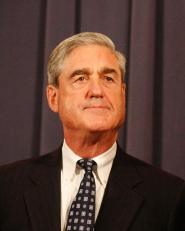 Mueller Hires 13 Lawyers For Russia Probe Promo Image