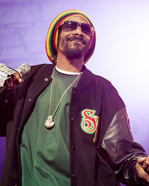 Snoop Dogg To Move To Toronto After Trump's Victory Promo Image