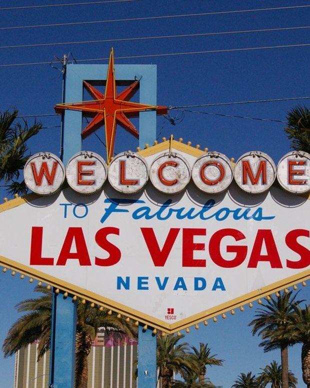 Las Vegas Cops Arrest Journalist Filming Protest (Video) Promo Image