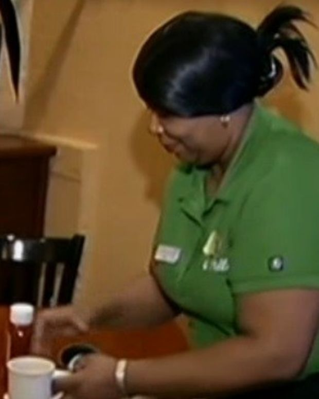 Instead Of Tip, Waitress Receives Racist Note (Photos) Promo Image