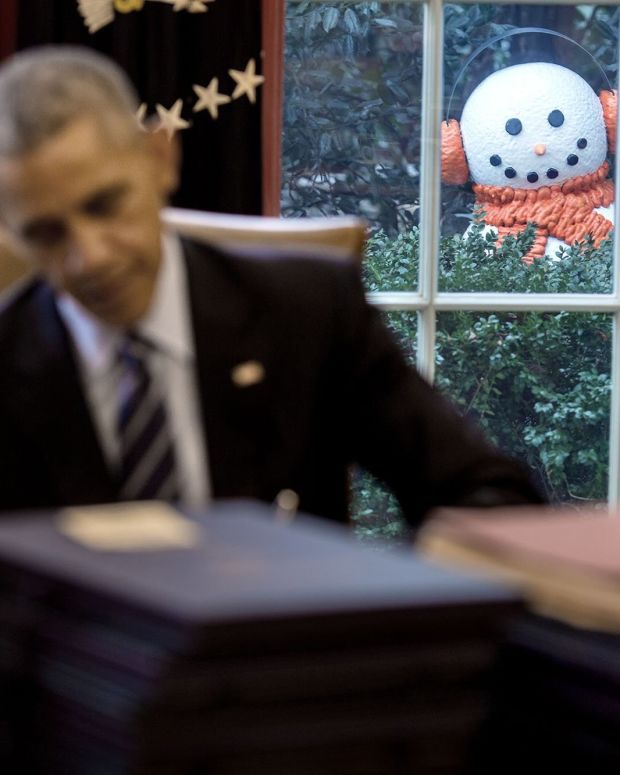 White House Staff Plays On Obama's Fears In Prank (Photos) Promo Image