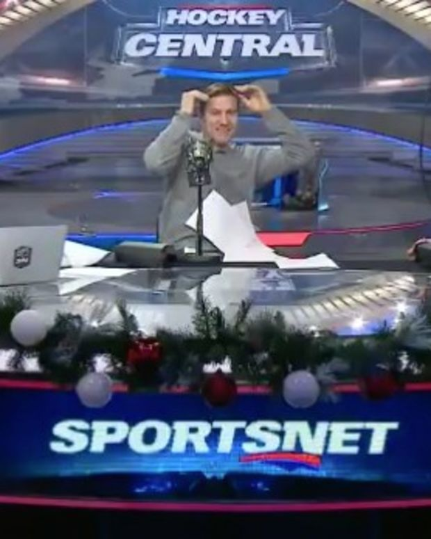 Ceiling Panels Fall During Canadian Sports Show (Video) Promo Image
