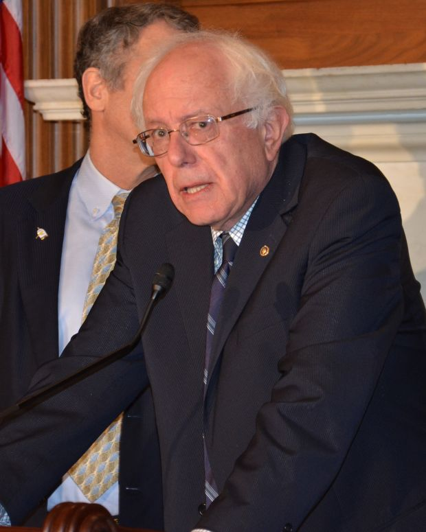 Bernie Sanders to Obama: End The AT&T-Time Warner Deal Promo Image