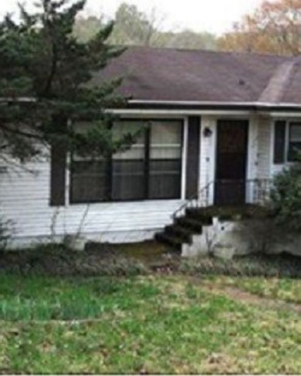 Neighbors Discover What Happened To 63-Year-Old Twins Who Hadn't Left Home In 3 Years Promo Image