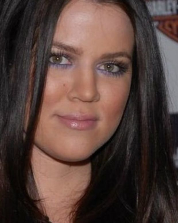 Fans Puzzled By Khloe Kardashian's Nose (Photos) Promo Image