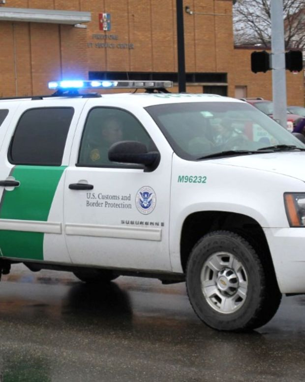 Border Officers Appear To Encourage Teen To Drink Meth (Video) Promo Image