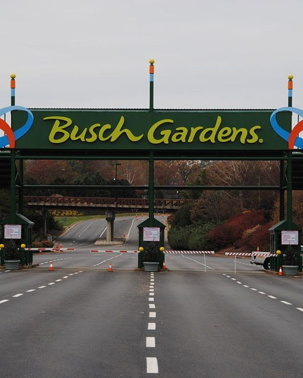 Trans Woman Not Allowed In Busch Gardens Over Skirt (Photos) Promo Image