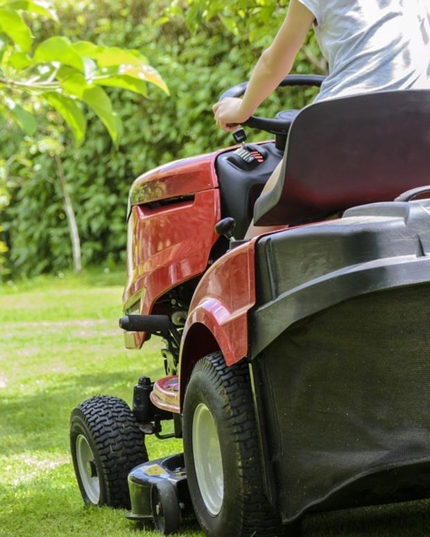 Man Mows 'A HOLE' On His Lawn In Neighbor Feud (Photos) Promo Image