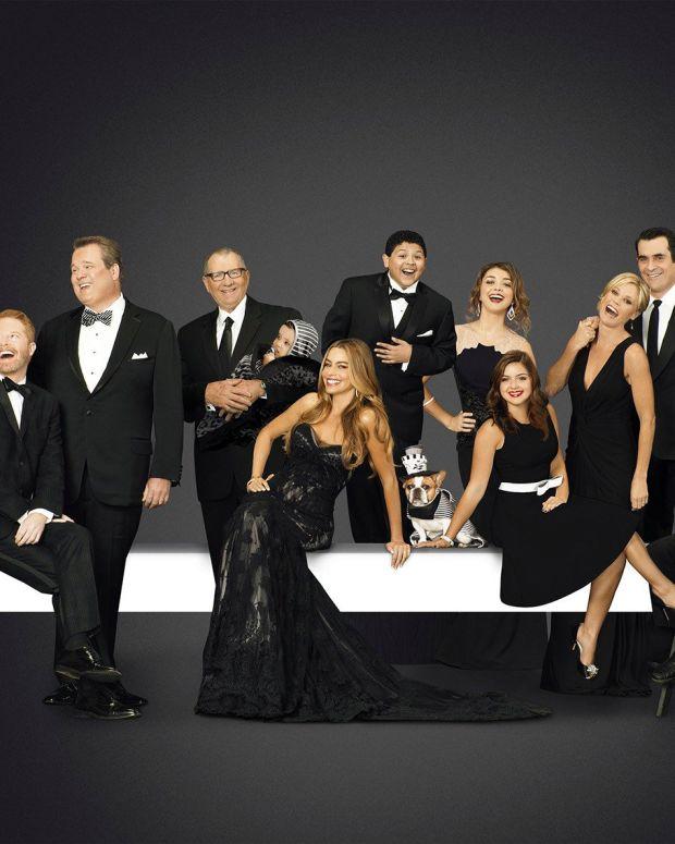 'Modern Family' Actress Sarah Hyland Defends Selfie (Photo) Promo Image