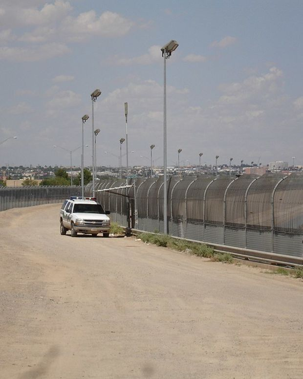 Convicted Rapist Detained At US-Mexico Border Promo Image