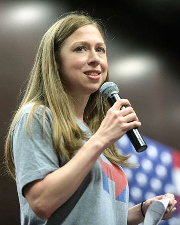 Chelsea Clinton's Halloween Costume Goes Viral (Photos) Promo Image
