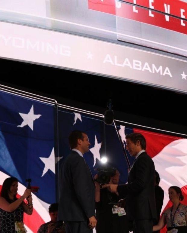 White House Backs Trump Jr., Senator Alleges Collusion Promo Image