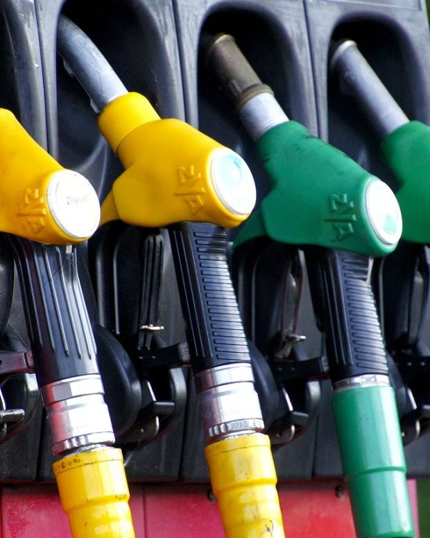 France Plans To Ban All Gasoline Vehicles By 2040 Promo Image