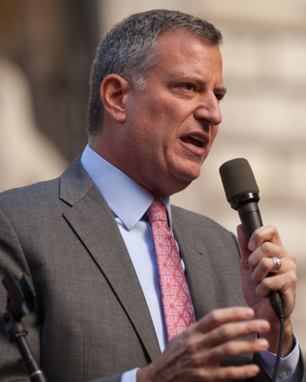 De Blasio Slammed For Skipping Slain Cop's Vigil (Photos) Promo Image